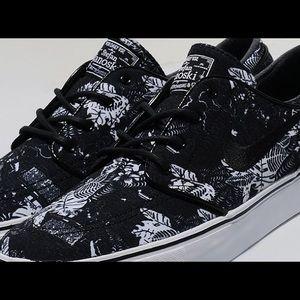 sports shoes 25ca6 345db Nike Shoes - NIKE SB Stefan Janoski Black Floral Shoes